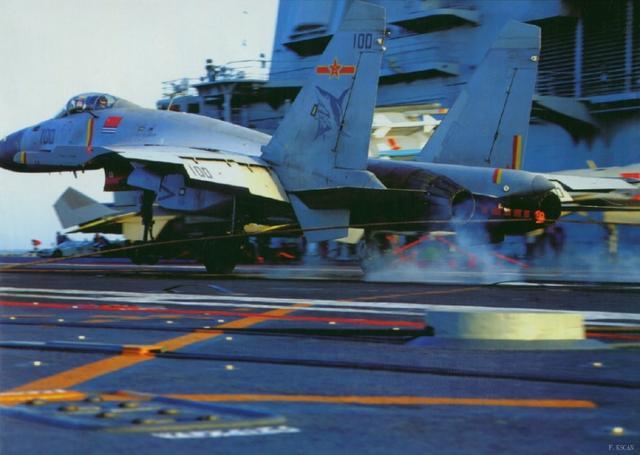 歼15曾两个月内起落训练8千多架次 令全球