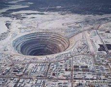 假如我们一直往地下挖,是否可以挖穿地