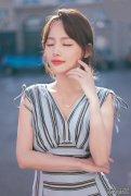 张嘉倪真是时尚辣妈,轻松演绎优雅时尚
