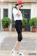 紧身打底裤穿着特别有型而且舒适,上身