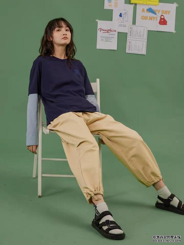 130斤显高又显瘦,其实都是工装裤的功劳,酷女孩的穿搭首选