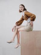 职场时尚穿搭方程式:妙丽浅口单鞋是一