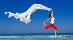 夏季出游,教你丝巾的5大妙用,防晒隔热
