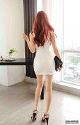 美女秘书包臀裙高跟凉鞋,白皙美腿性感