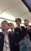 《中国机长》万米高空首映礼 李