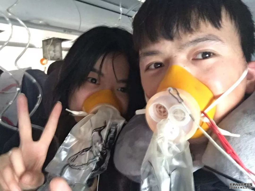 《中国机长》几个细思极恐的细节(5)