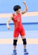 中國隊斬獲軍運會女子自由式摔跤兩枚金