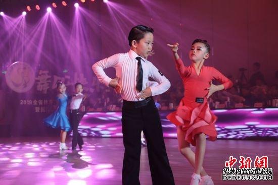 2019江苏体育舞蹈俱乐部联赛展示在南京举行